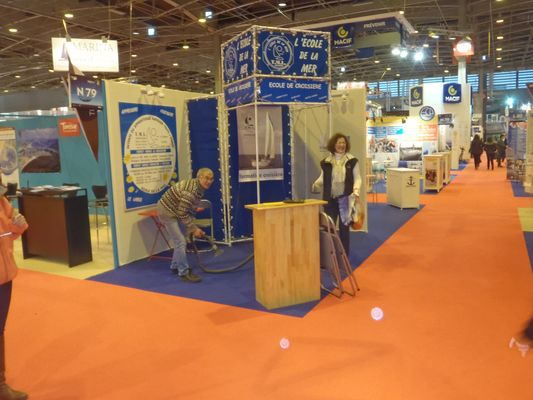nettoyage du stand TML Voile -