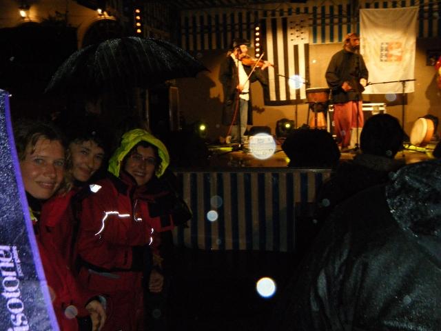 Concert traditionnel humide à Honfleur - TML Voile