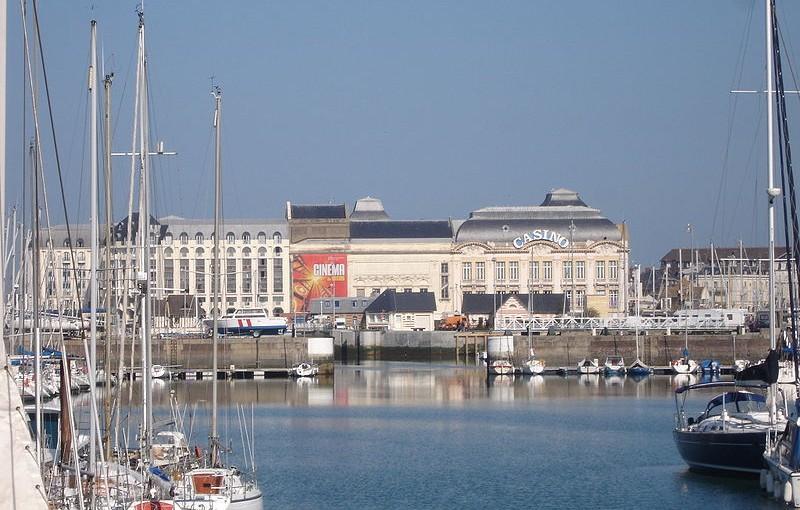 Casino de Deauville depuis le port